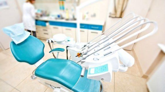 La diabetes, el tabaquismo o la osteoporosis inciden sobre un tratamiento de implantes dentales
