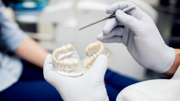 Descodificación dental: Cómo los dientes ayudan a determinar la edad de víctimas mortales