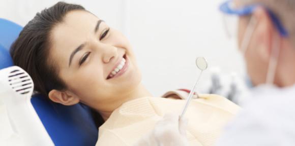 Cuidados y postoperatorio de los implantes dentales